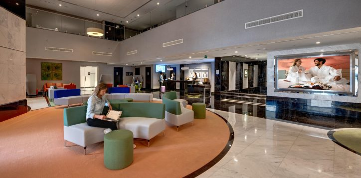 lobby-3-2