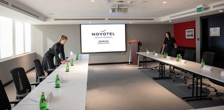 meeting-room-2-4-2